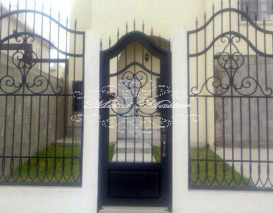 Puertas con forja amazing barreras de aluminio puertas for Puertas principales de forja